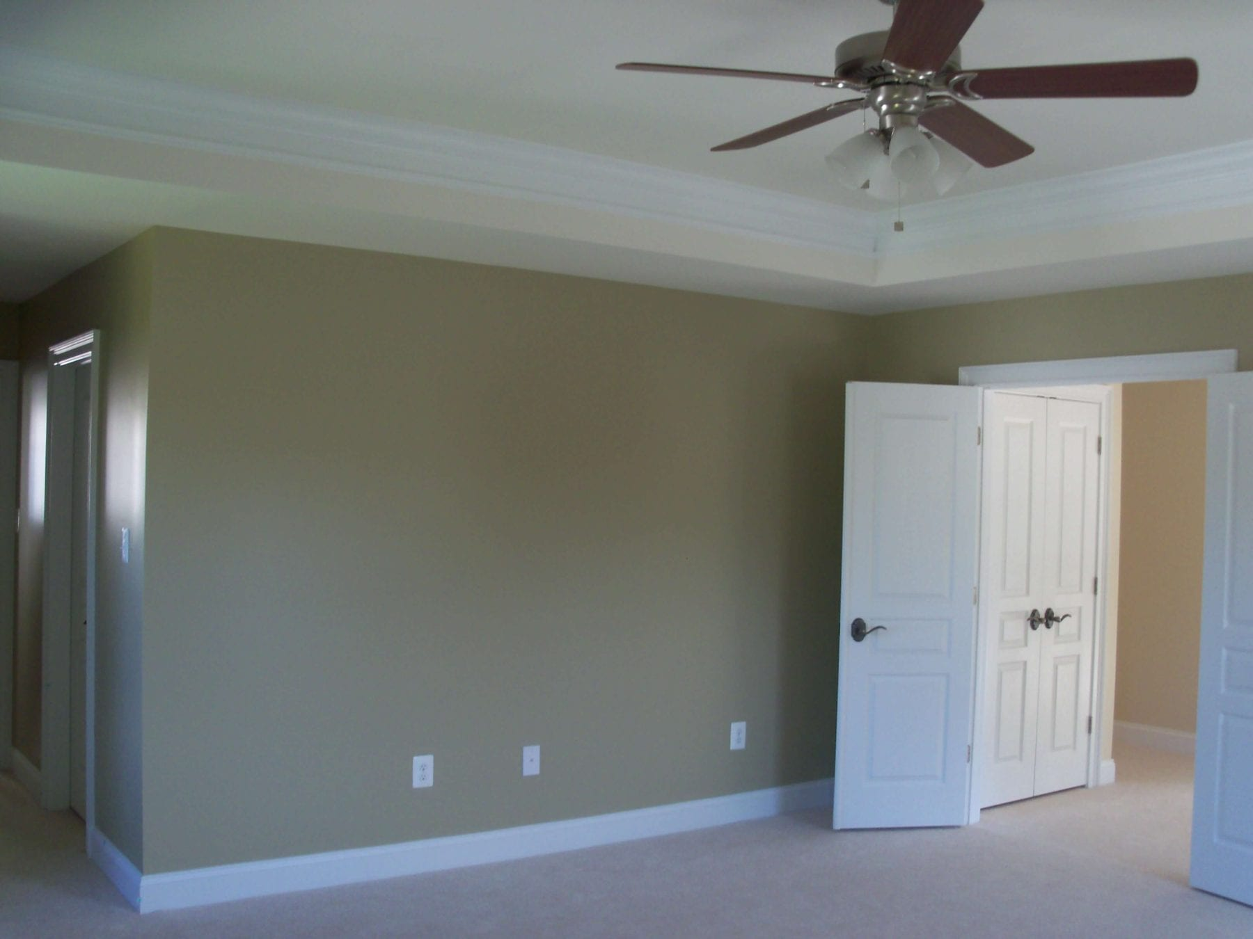 Home painting contractor in baltimore md home painter for Flooring contractor columbia md