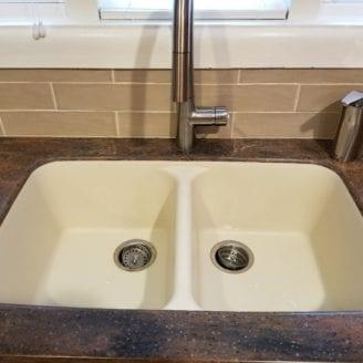 Corian counter top and corian sink