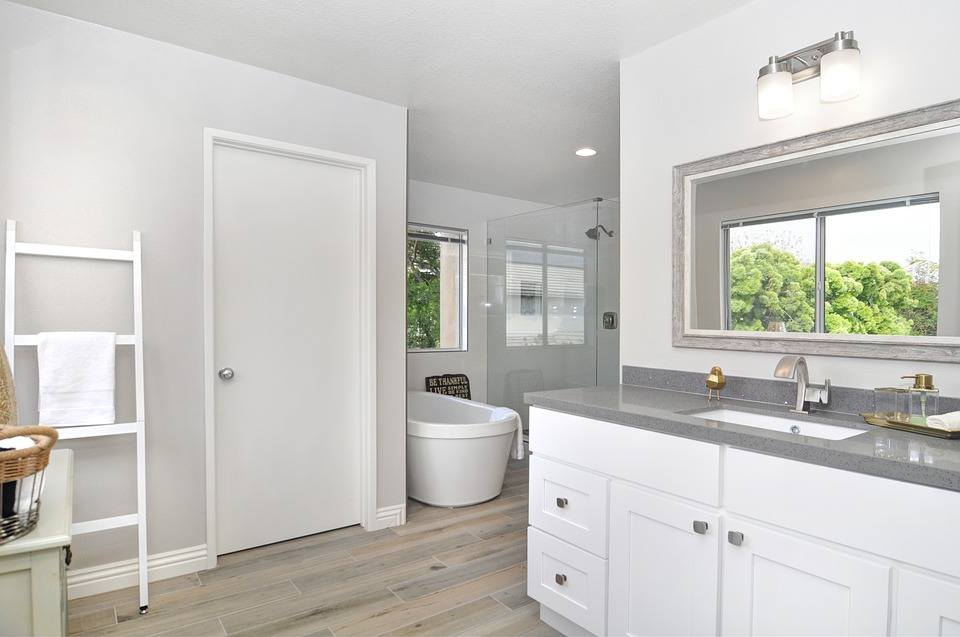 Planning Bathroom Remodeling? 5 Ways You Can Reduce the Cost