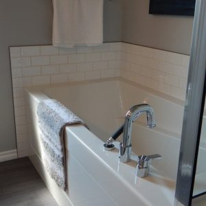 Bathtub Recaulking Service In Baltimore